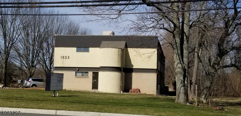 Photo of home for sale at 1323 ROUTE 27, Franklin Twp. NJ