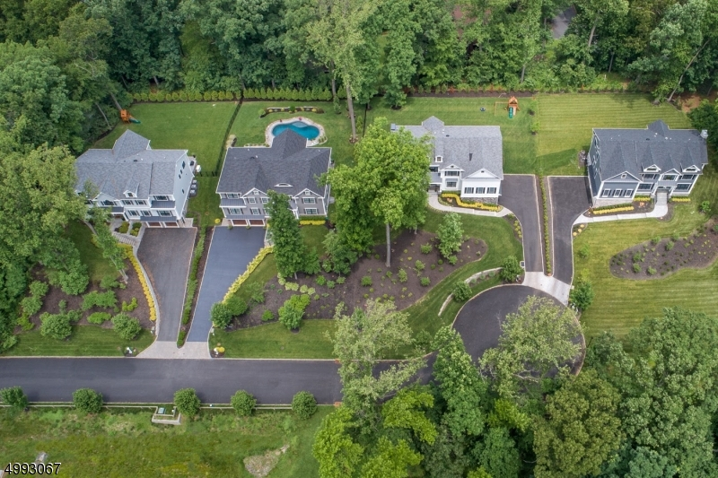 Photo of home for sale at 91 LONG VIEW AVE, Chatham Twp. NJ