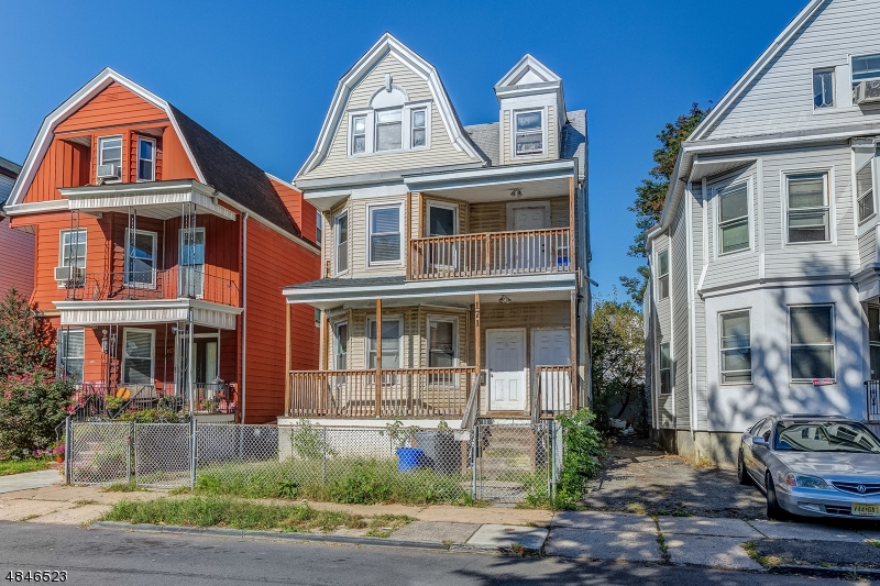 Photo of home for sale at 171 N 16TH ST, East Orange City NJ