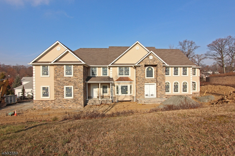 Photo of home for sale at 85 Eileen Dr, Cedar Grove Twp. NJ