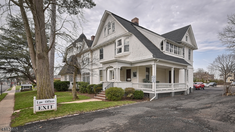 Photo of home for sale at 75 N BRIDGE ST, Somerville Boro NJ