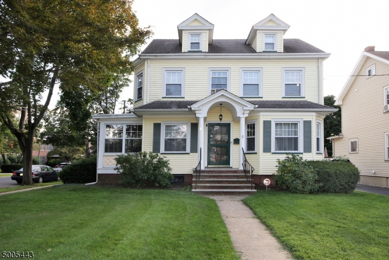 Photo of home for sale at 403 LINCOLN AVE, Dunellen Boro NJ