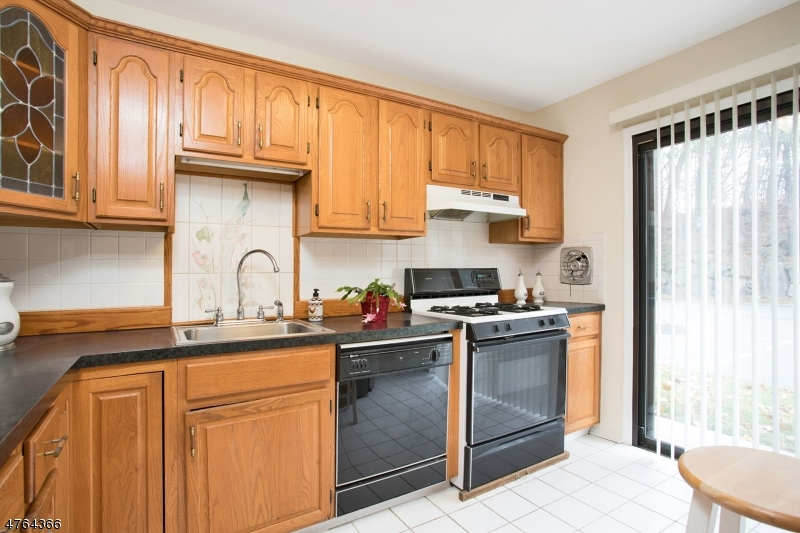 181 Long Hill Rd 9-9 Little Falls Twp., NJ 07424 - MLS #: 3434675