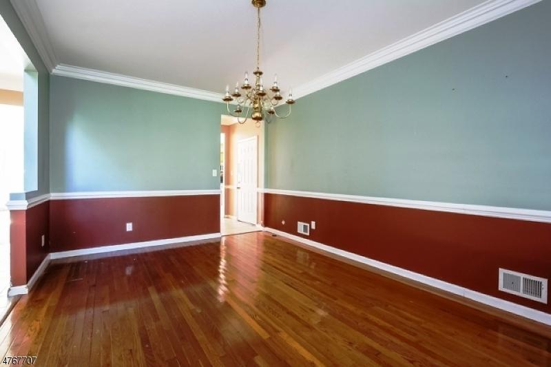 176 Cedar Grove Ln Franklin Twp., NJ 08873 - MLS #: 3437575
