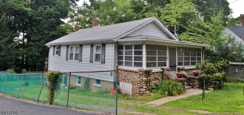 27 MOUNTAINVIEW AVE Mount Arlington Boro, NJ 07856 - MLS #: 3485275