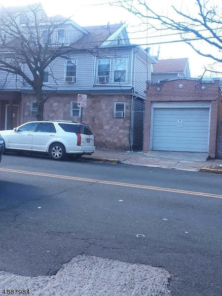 Photo of home for sale at 535 UNION AVE, Paterson City NJ