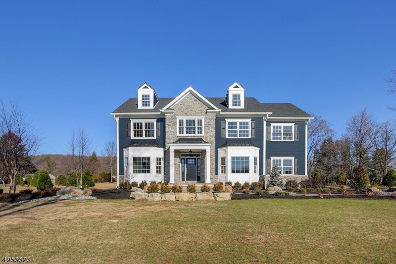 Photo of home for sale at 11 SNEIDER RD, Warren Twp. NJ
