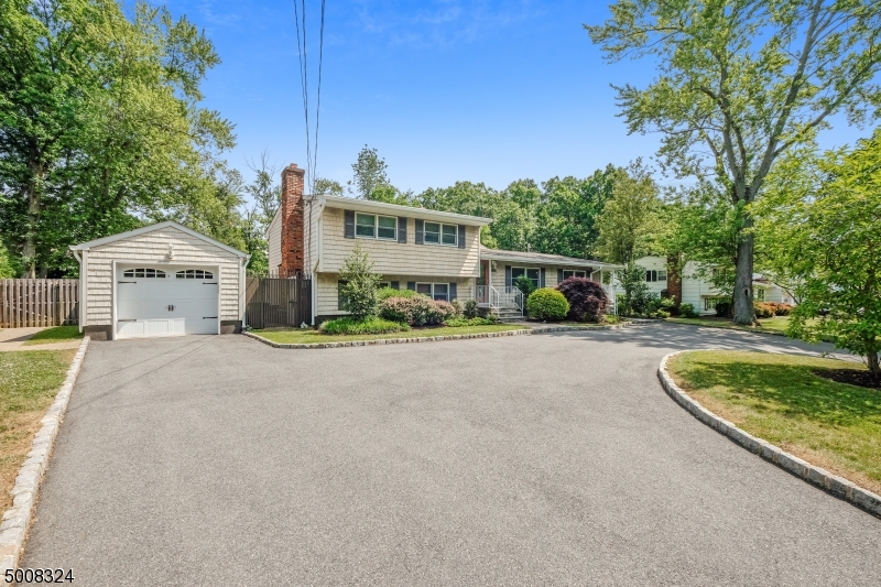 Photo of home for sale at 97 EDGEWOOD DR, Florham Park Boro