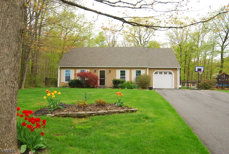 Photo of home for sale at 59 POSSAGHI RD, Hampton Twp. NJ