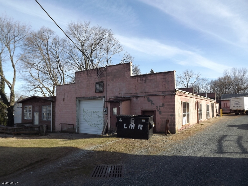 Photo of home for sale at 31 WILLOW ST, Washington Boro NJ