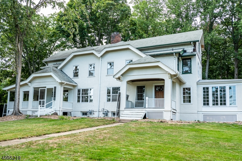 Photo of home for sale at 431 MOUNTAIN AVE, North Caldwell Boro NJ