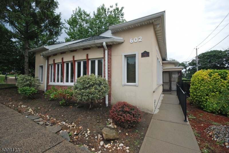 Photo of home for sale at 602 BLOOMFIELD AVE, West Caldwell Twp. NJ