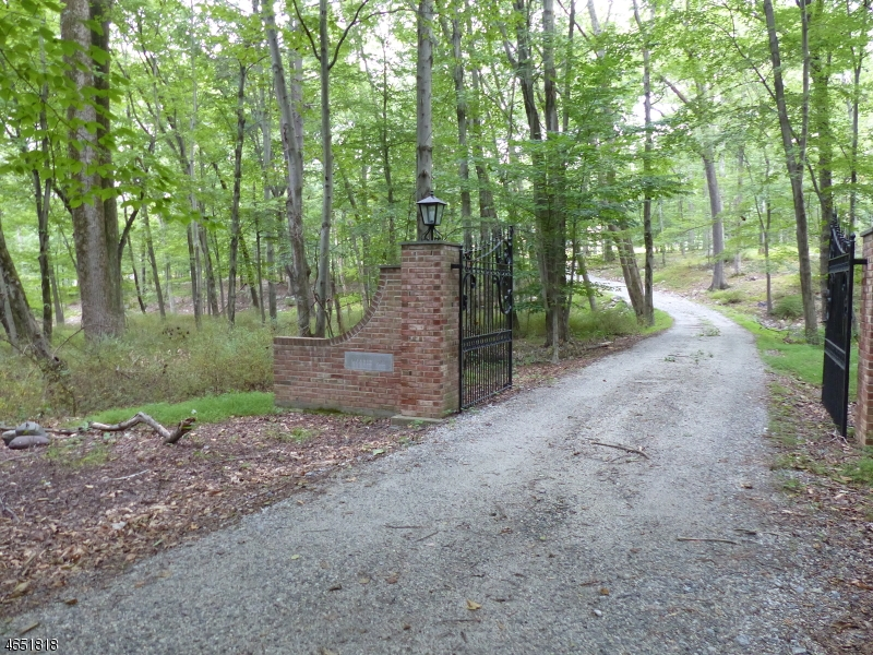 Photo of home for sale at 5 Deer Run, Blairstown Twp. NJ