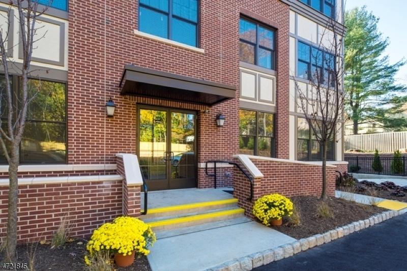 39 Green Village Rd Madison Boro, NJ 07940 - MLS #: 3398278