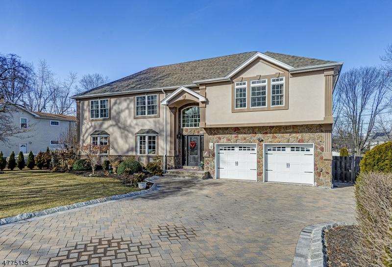 Photo of home for sale at 448 Oak Ridge Rd, Clark Twp. NJ