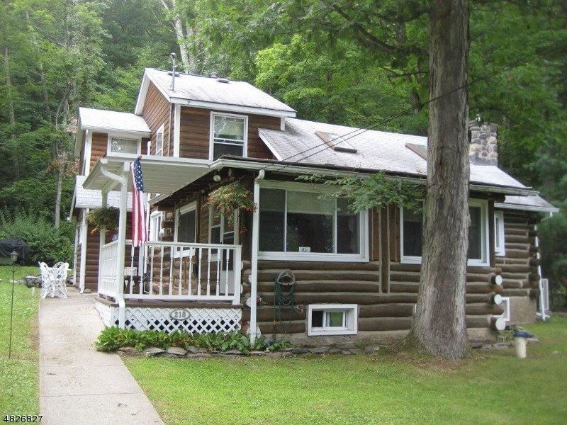 Photo of home for sale at 218 BEARFORT RD, West Milford Twp. NJ