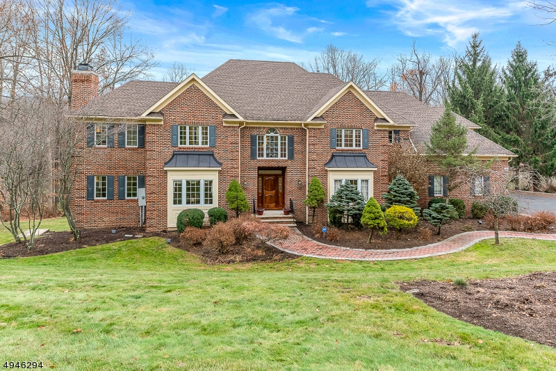 Photo of home for sale at 14 CHILTON RD, Chester Twp. NJ