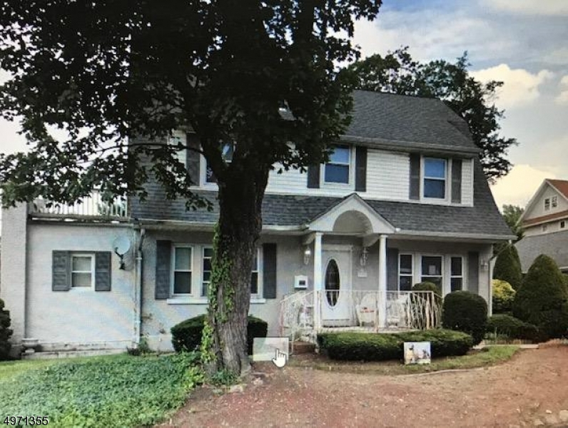 Photo of home for sale at 335 RIVER RD, Bogota Boro NJ