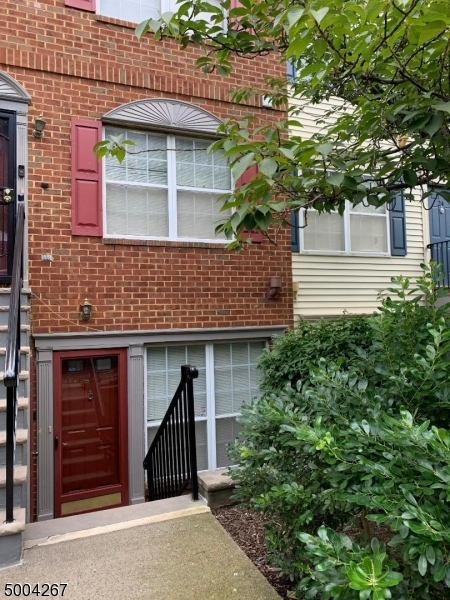 Photo of home for sale at 21 VAUGHAN DR, Newark City NJ