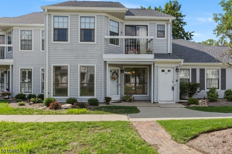 Photo of home for sale at 26 KRINSKY CT, Mahwah Twp. NJ