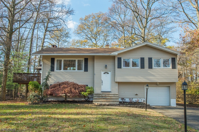 Property for sale at 54 Carlos Dr, Fairfield Twp.,  NJ 07004