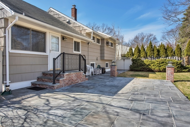 56 Red Maple Ave Bloomfield Twp., NJ 07003 - MLS #: 3461780