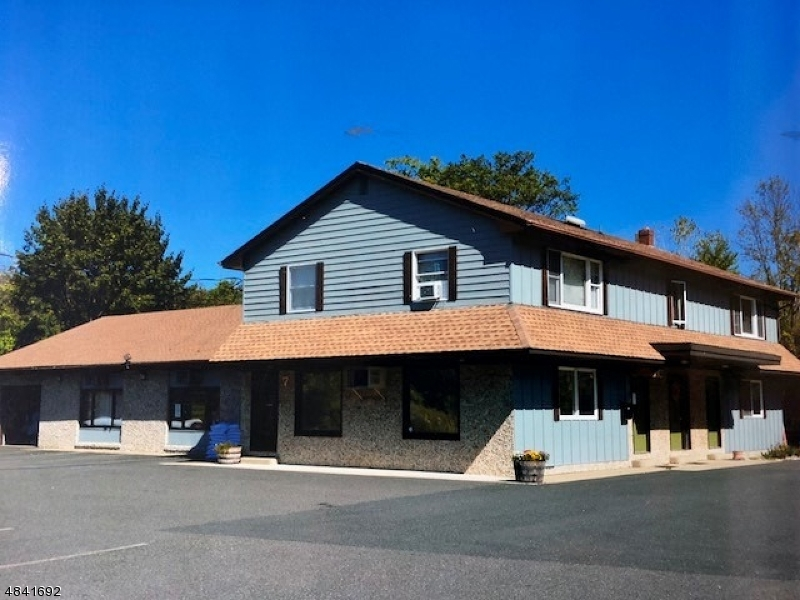 Photo of home for sale at 7 OLD RUDETOWN RD, Vernon Twp. NJ