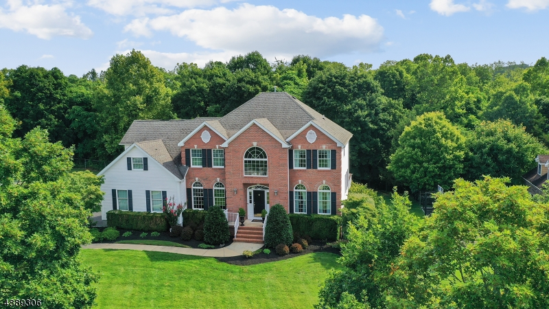 Photo of home for sale at 6 Perry St, Peapack Gladstone Boro NJ