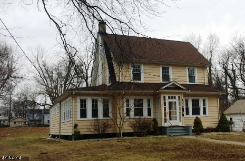 Photo of home for sale at 1030 SHERMAN AVE, Plainfield City NJ