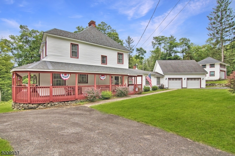 Photo of home for sale at 3116 Old Canadensis Hill Road, Pennsylvania NJ