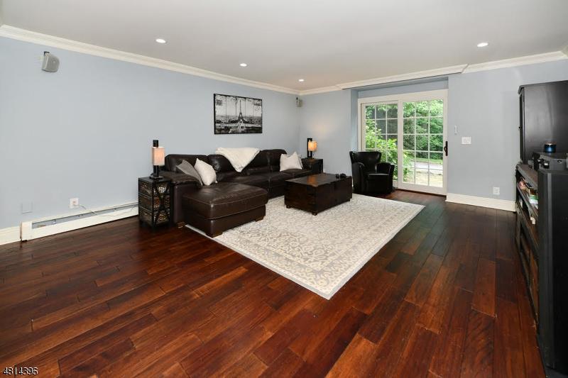 869 HILLCREST RD Ridgewood Village, NJ 07450 - MLS #: 3480281