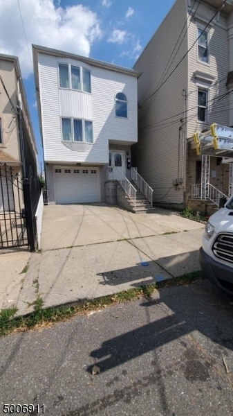 Photo of home for sale at 83 CHAMBERS ST, Newark City