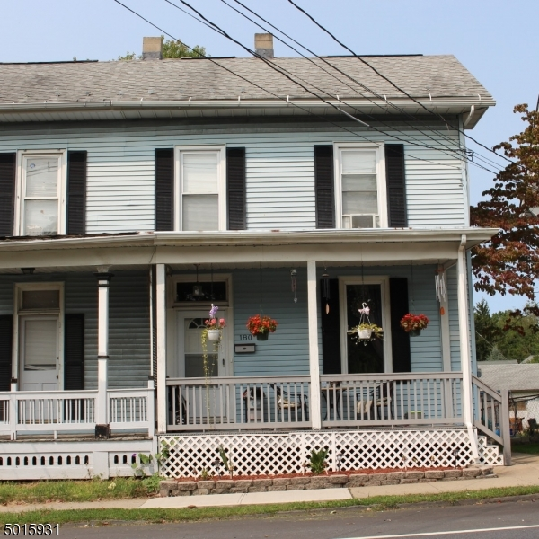 Photo of home for sale at 180 W WASHINGTON AVE, Washington Boro NJ