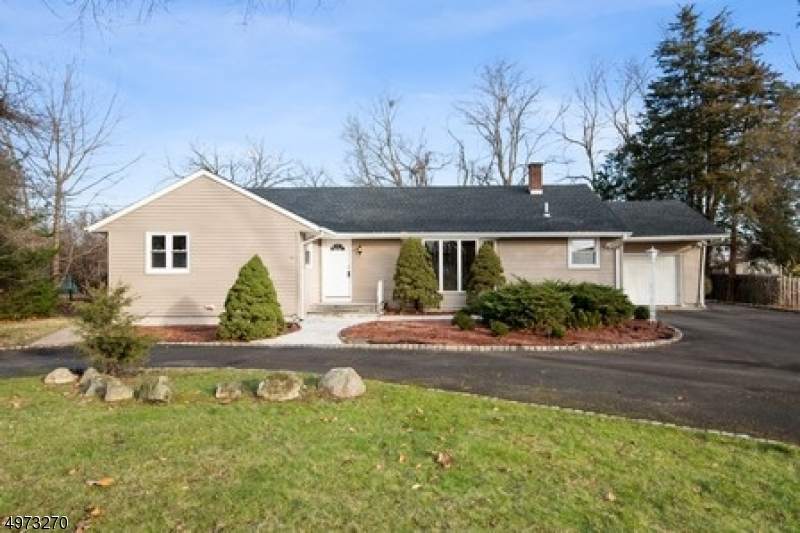 Photo of home for sale at 8 KAREN RD, Montville Twp. NJ