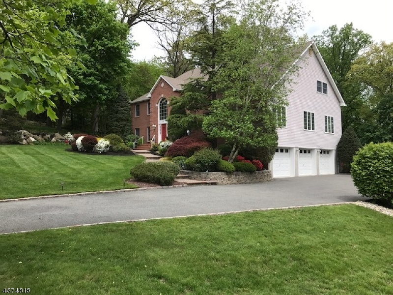 Property for sale at 32 Margaretta Rd, Boonton Town,  NJ 07005