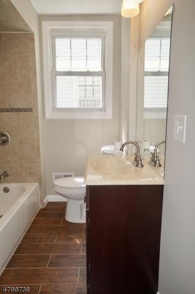 585 ADAMS AVE Elizabeth City, NJ 07201 - MLS #: 3463982