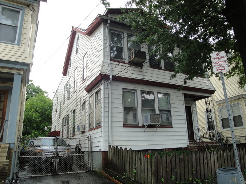 Photo of home for sale at 174 ISABELLA AVE, Newark City NJ