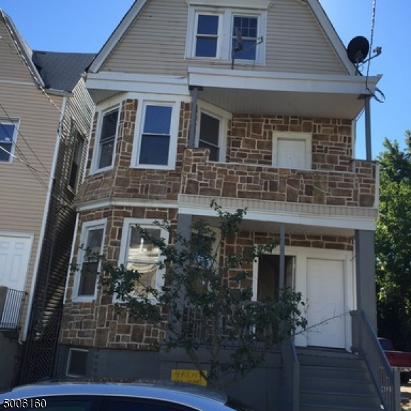 Photo of home for sale at 474 S 14TH ST, Newark City