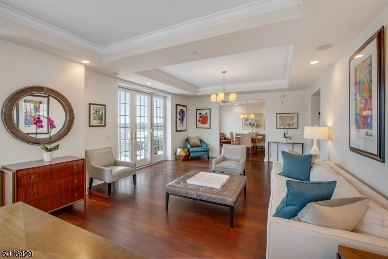 Photo of home for sale at 40 W Park Place Unit 605, Morristown Town NJ