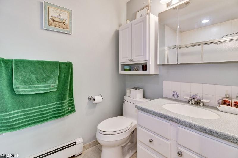 362 LAKE SHORE DR Parsippany-Troy Hills Twp., NJ 07054 - MLS #: 3488283
