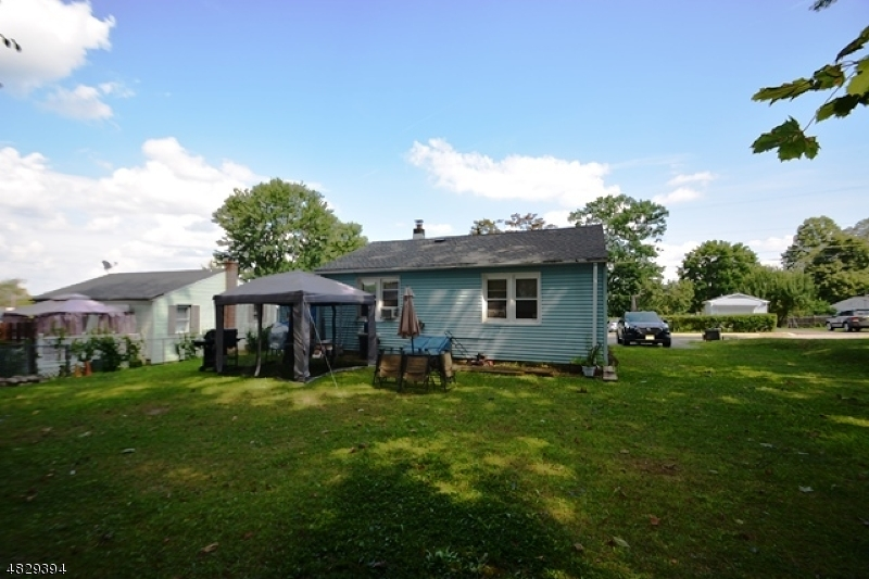 Photo of home for sale at 16 ROOSEVELT AVE, Victory Gardens Boro NJ