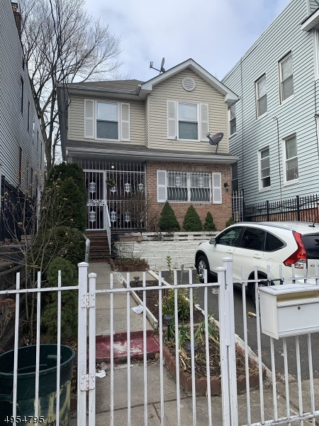 Photo of home for sale at 429 S 14TH ST, Newark City NJ