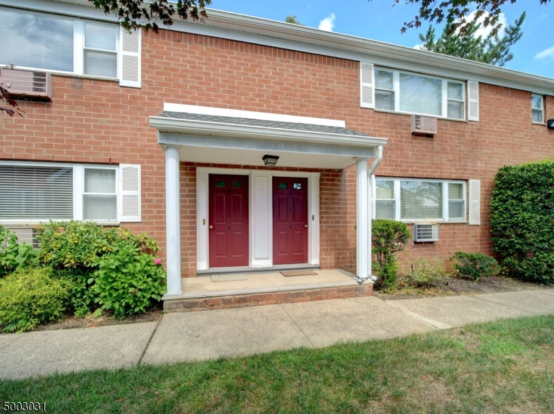 Photo of home for sale at 2467 ROUTE 10, BLDG 13-1A, Parsippany-Troy Hills Twp. NJ