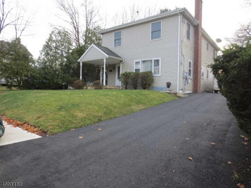 Photo of home for sale at 315 JACKSON AVE, Dunellen Boro NJ