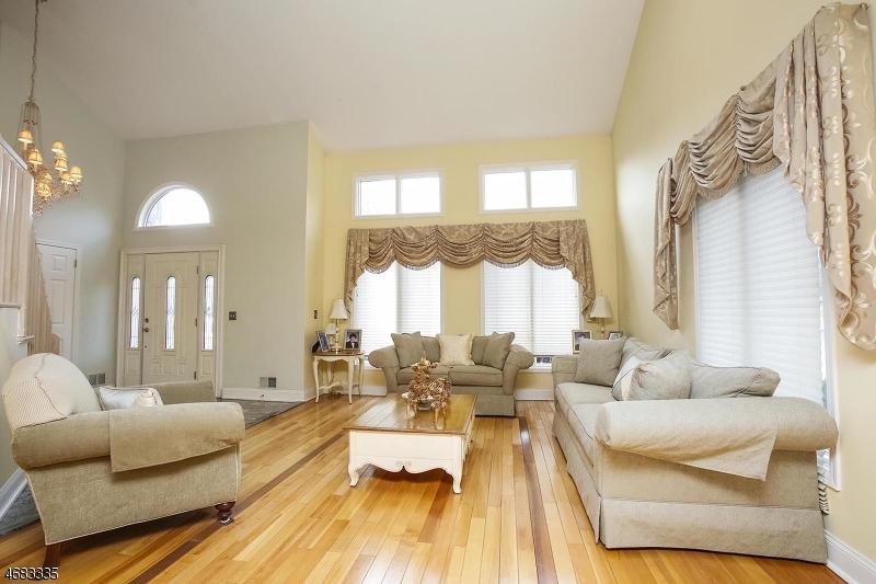 47 Heritage Dr East Hanover Twp., NJ 07936 - MLS #: 3405084