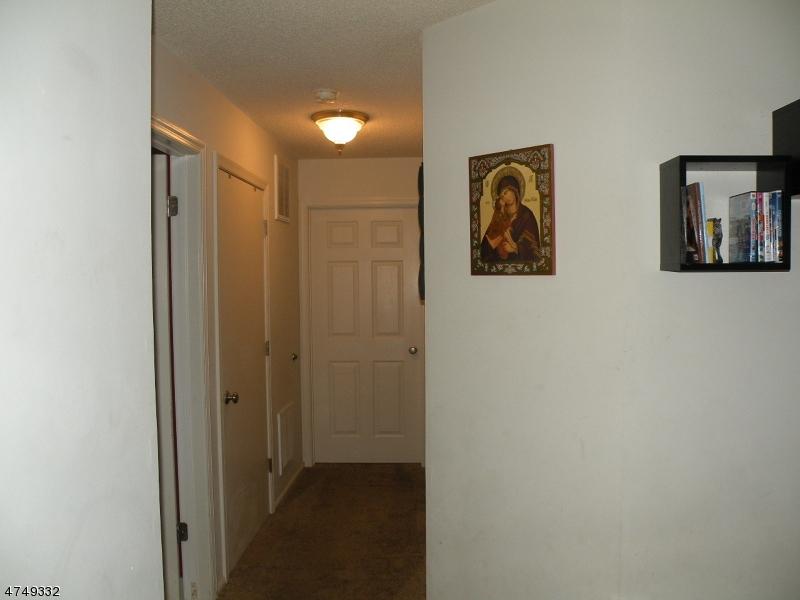 309 Red Crest Ln Branchburg Twp., NJ 08876 - MLS #: 3422184