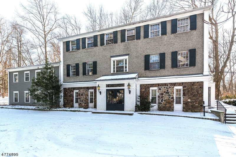 Photo of home for sale at 320 Runnymede Rd, Essex Fells Twp. NJ