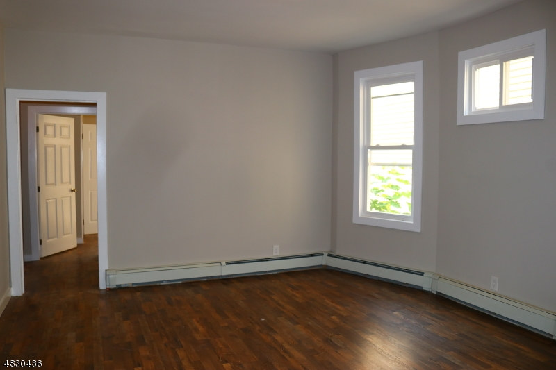 107 HOLLYWOOD AVE East Orange City, NJ 07018 - MLS #: 3495084