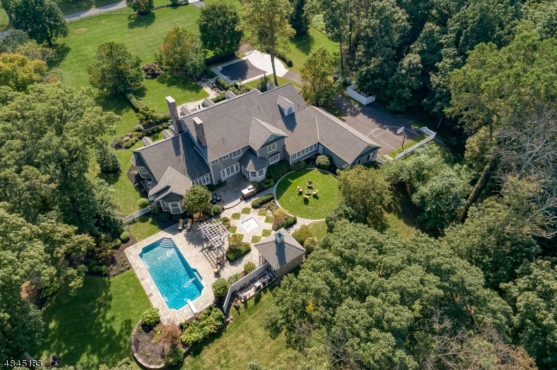 Photo of home for sale at 2 SHERWOOD FARM RD, Far Hills Boro NJ