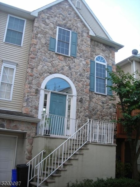 Photo of home for sale at 6 ARROWGATE DR, Randolph Twp. NJ